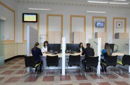 Átadták Fejér megye 14. Kormányablakát a székesfehérvári vasútállomáson